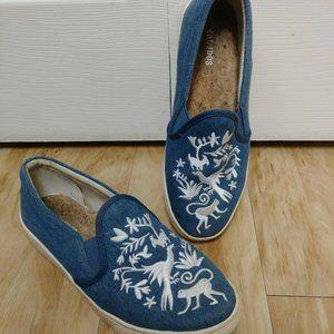 Otami Slip On Embroidered womens Soludos sz 8